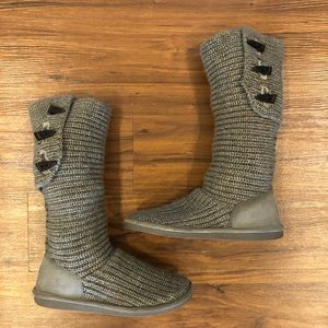 BearPaw Gray Knit Boots